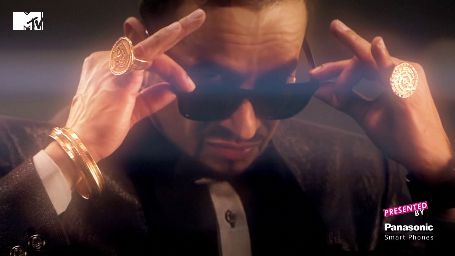 Jazzy B - Rise Above Hate ft MG - Desi-Box com